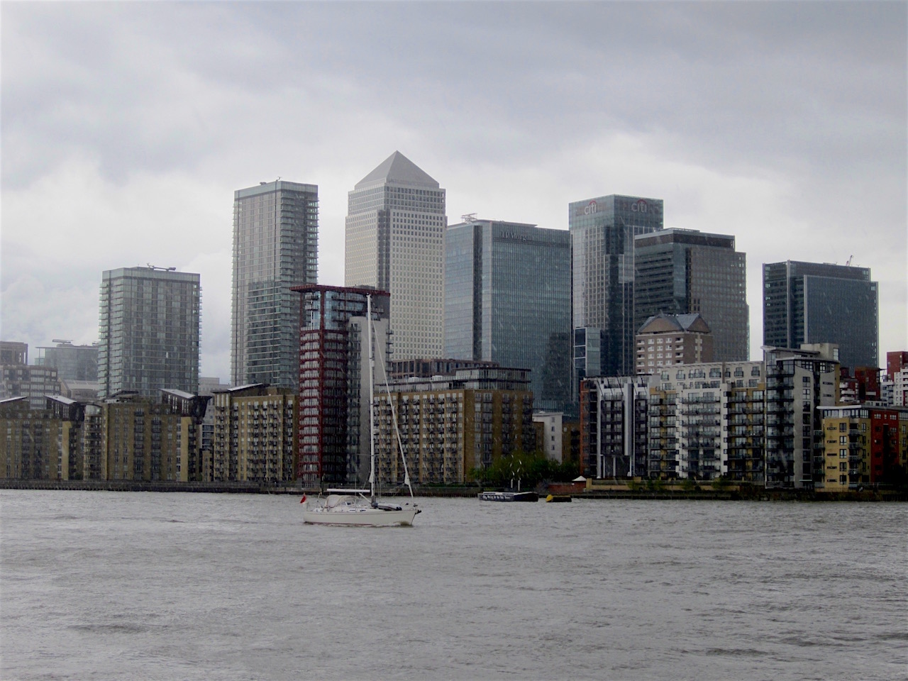 Canary Wharf from Rotherhithe, London SE16, on a rainy May 11, 2013 (Photo: Andy Worthington).