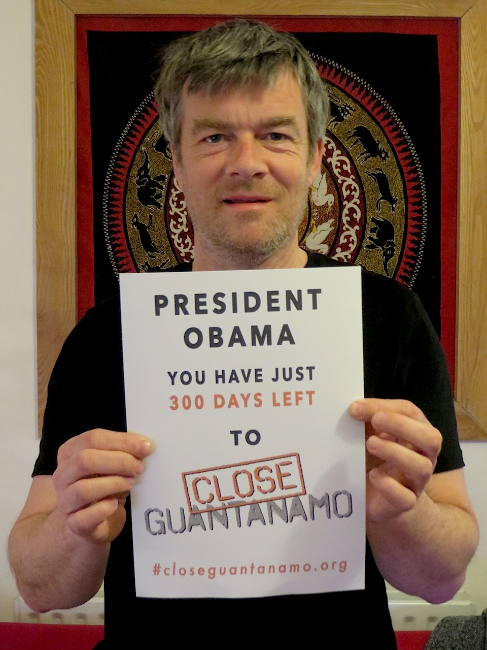 Andy Worthington promotes the latest phase of the Countdown to Close Guantanamo, pointing out to President Obama that he has just 300 days left to close Guantanamo, as he promised on his second day in office in January 2009.