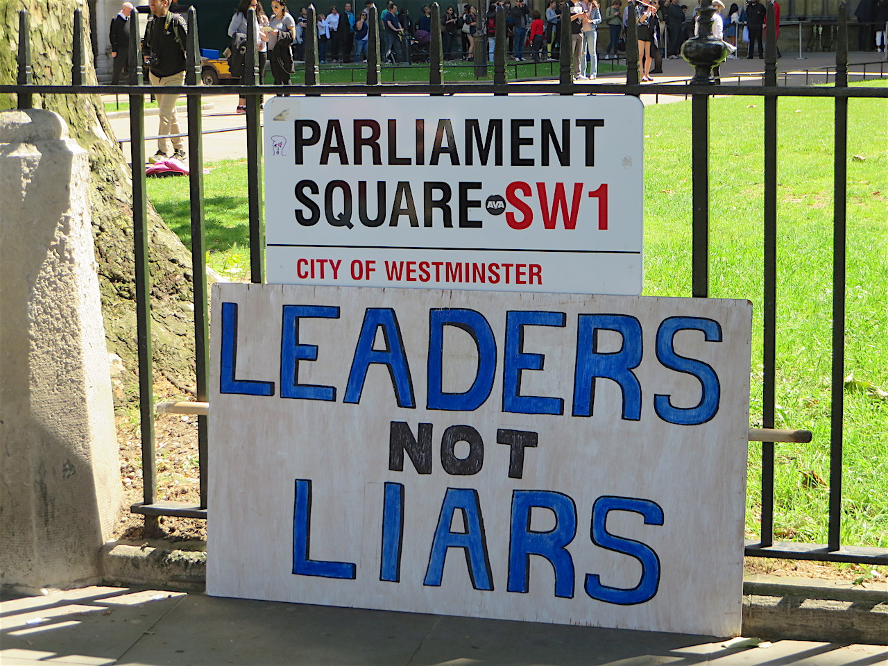 Leaders not liars: a poster on the March for Europe in London on July 2, 2016 (Photo: Andy Worthington).