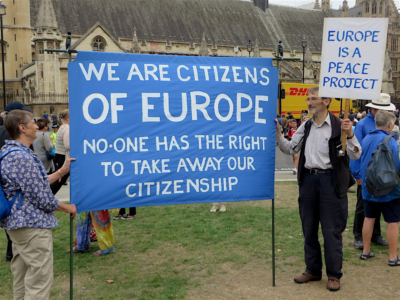 'We are citizens of Europe: No one has the right to take away our citizenship': a banner on the March for Europe in London, September 3, 2016 (Photo: Andy Worthington).