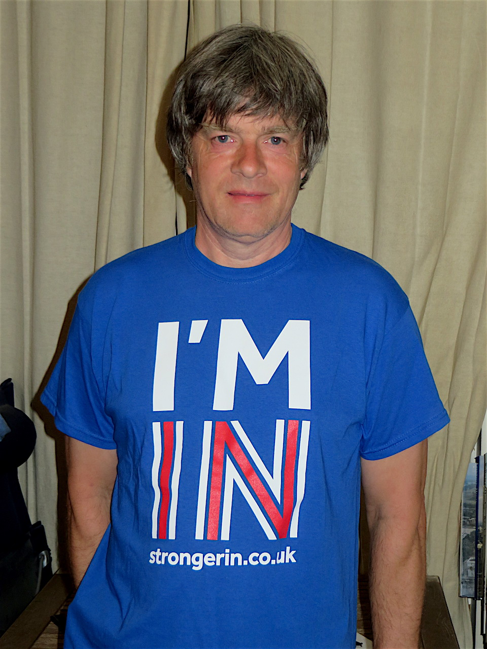 Andy Worthington showing his support for the campaign for Britain to remain in the EU.