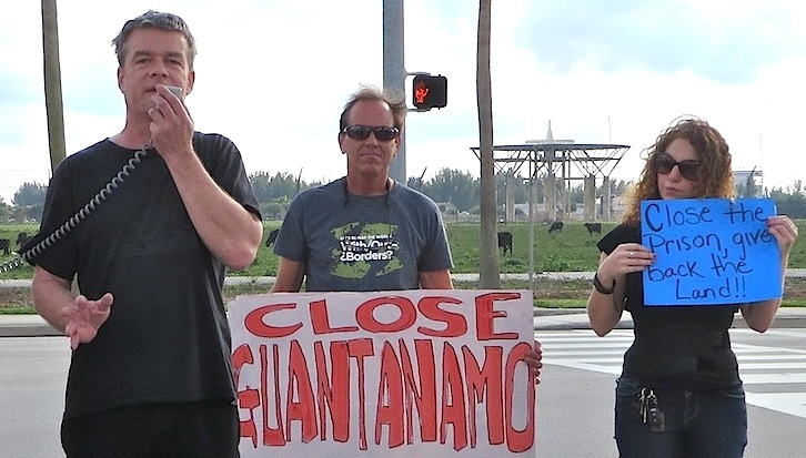 Andy Worthington calls for the closure of Guantanamo outside the entrance to US Southern Command in Florida on January 9, 2016.