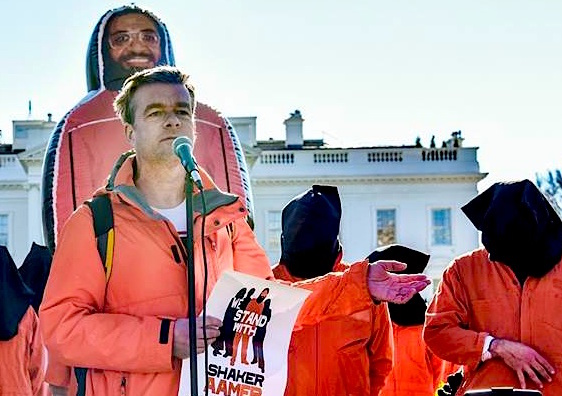 Andy Worthington calling for the closure of Guantanamo outside the White House on January 11, 2016, the 15th anniversary of the opening of the prison (Photo: Justin Norman).