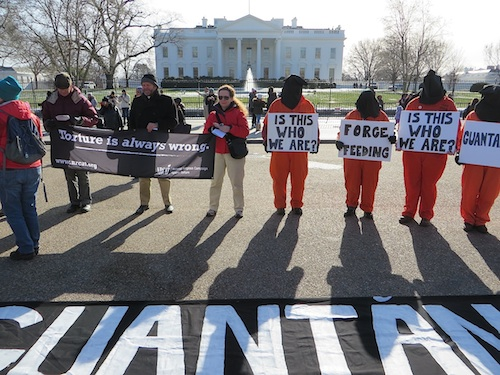 Close Guantanamo: protestors outside the White House on January 11, 2015, the 13th anniversary of the opening of Guantanamo (Photo: Andy Worthington).