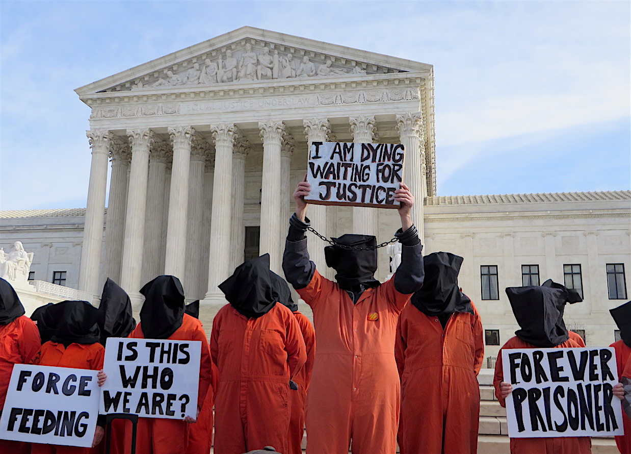 Protestors with Witness Against Torture outside the Supreme Court on January 11, 2017, the 15th anniversary of the opening of Guantanamo (Photo: Andy Worthington).