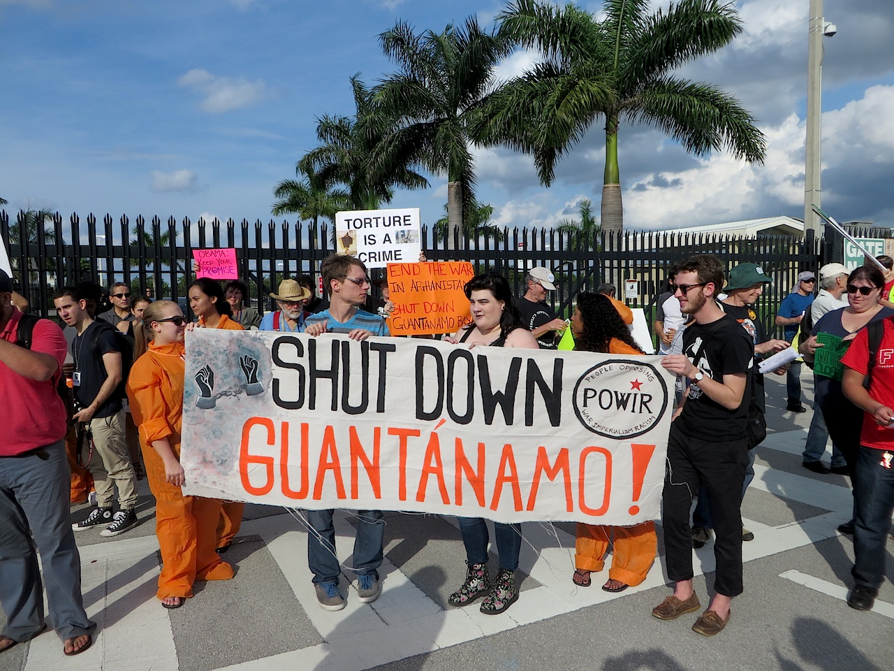 Campaigners in Florida call for the closure of Guantanamo outside the gates of US Southern Command, January 9, 2016 (Photo: Andy Worthington).
