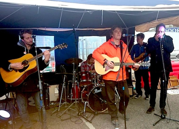 Andy Worthington's band The Four Fathers play Brockley Christmas Market on December 12, 2015 (Photo: Ruth Gilburt).
