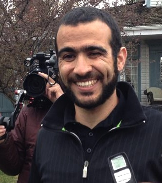 Former Guantanamo prisoner Omar Khadr speaking to the media after his release from prison on bail on May 7, 2015. Photo made available by Michelle Shephard of the Toronto Star on Twitter.