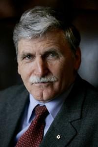 Senator Roméo Dallaire.