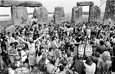 Summer solstice in the stones, 1984. Photo by Alan Lodge.