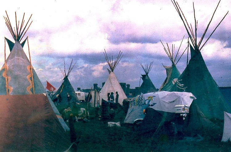 Tipis at the Stonehenge Free Festival in 1977 (photo by Roger Hutchinson).