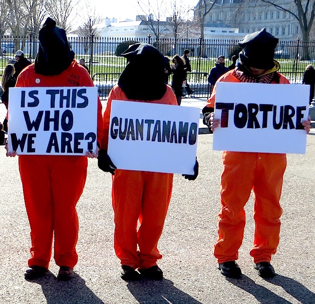 Protestors with Witness Against Torture calling for the closure of Guantanamo and accountability for torture outside the White House on January 11, 2015 (Photo: Andy Worthington).