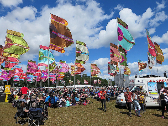 A comparatively rare sunny interlude at the often rather wet WOMAD 2015 (Photo: Andy Worthington).